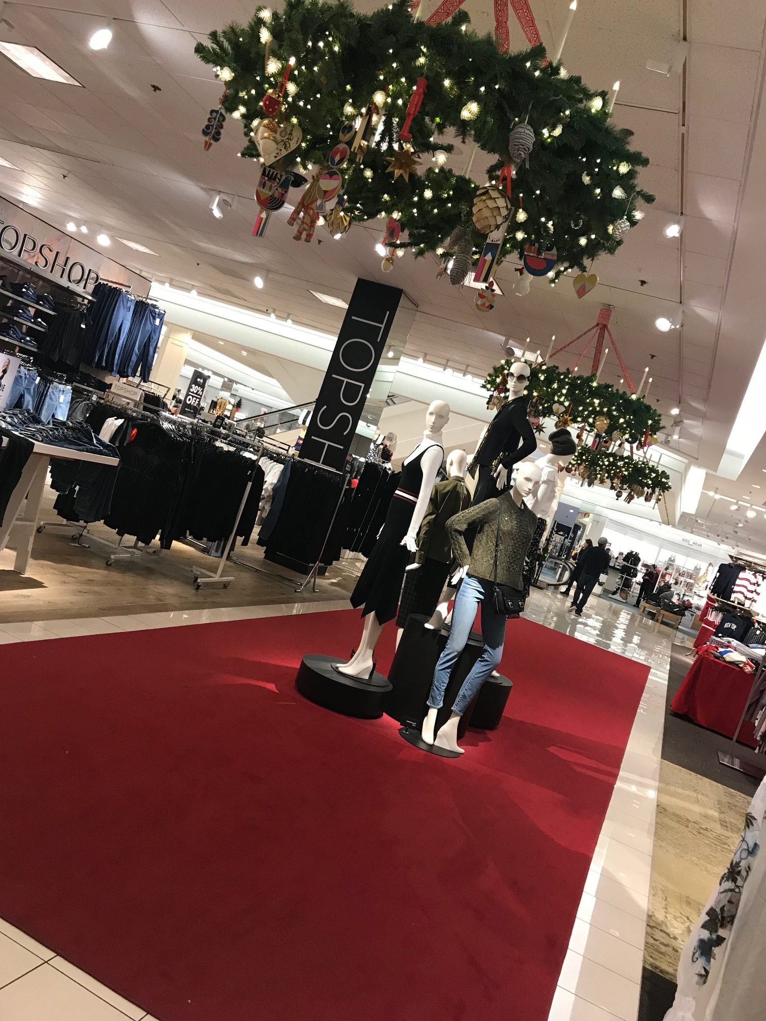 Christmas Shopping - Stoneridge Shopping Center